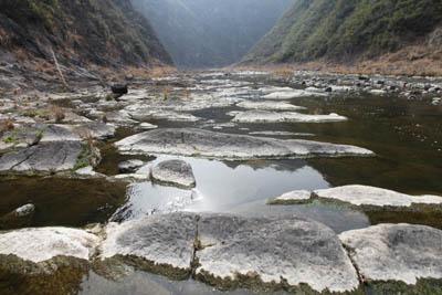 青峰六里峡古河床-今日房县网-- 房县门户